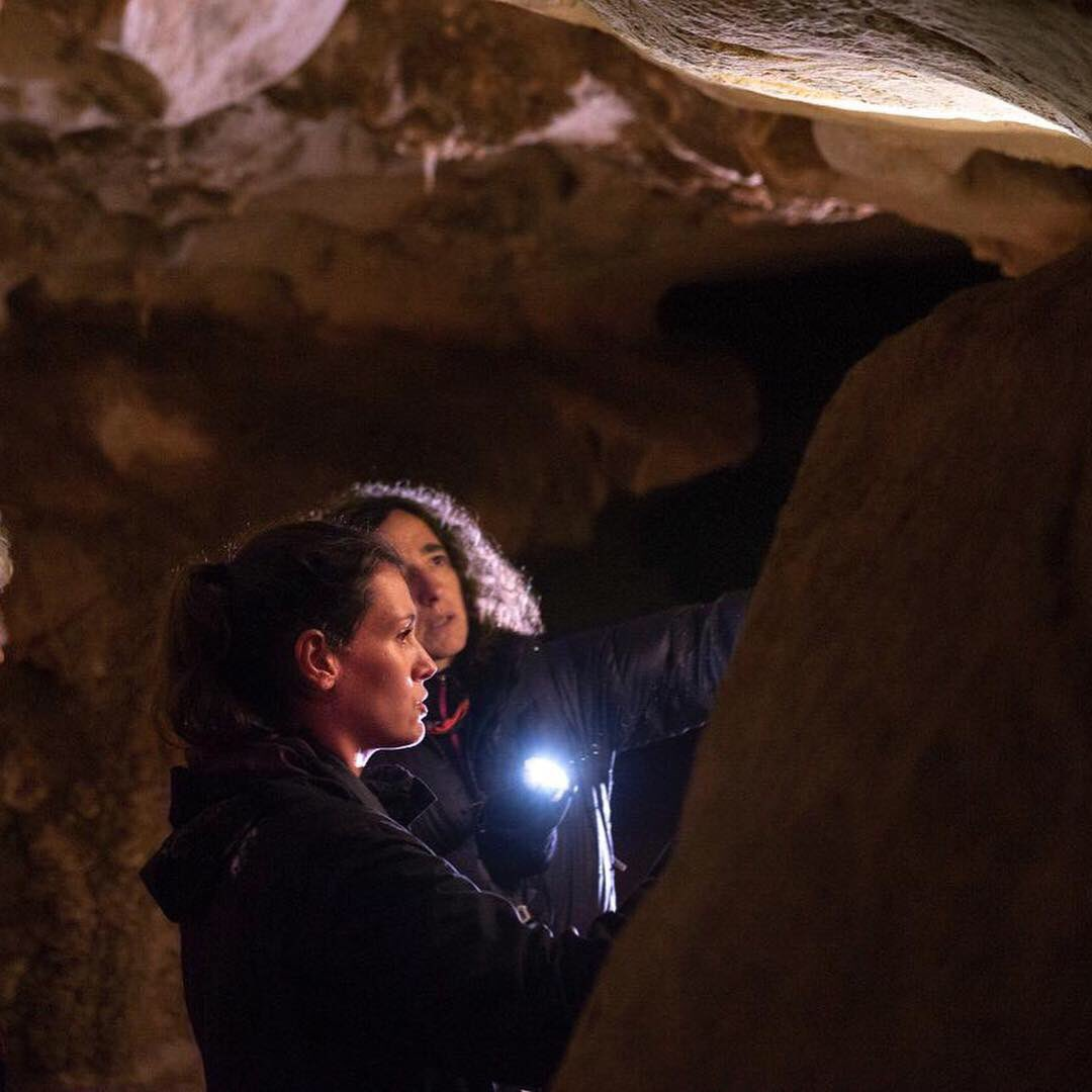 Happy International Day of Women & Girls in Science! I am restorer. I am a specialist in Paleolithic Rock Art. I make science #WomenAndGirlsInSciences #womeninscience #WomenScienceDay  #DiaDeLaMujerYLaNinaEnLaCiencia