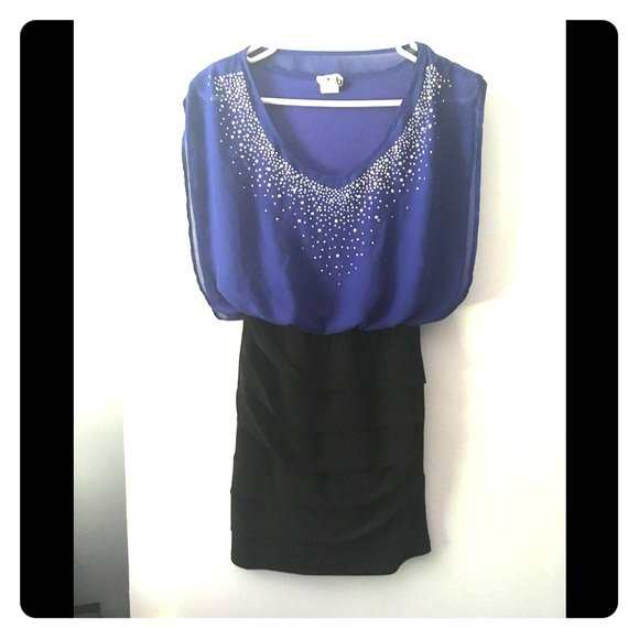 So good I had to share! Check out all the items I'm loving on @Poshmarkapp #poshmark #fashion #style #shopmycloset #deb #tarikediz #maeve: https://posh.mk/q03878LfTT