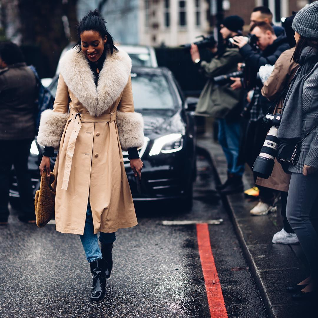 15 outfits that look cute even in the pouring rain: https://t.co/aYMh29myCN #MondayMotivation