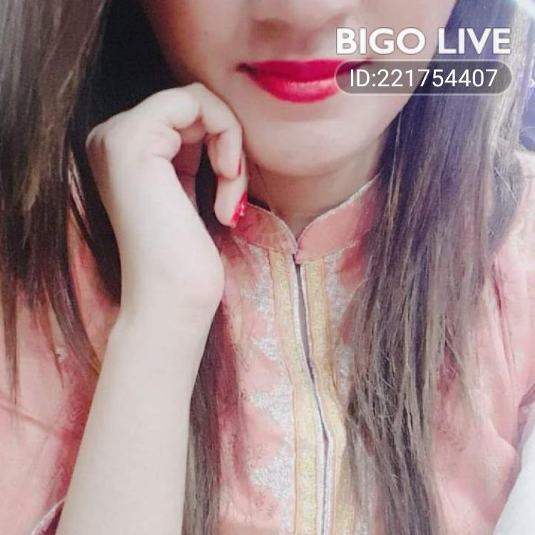 OMG! You have to see this. #BIGOLIVE.   https://t.co/J1zzmVi0CA https://t.co/fz9HVoNwfW