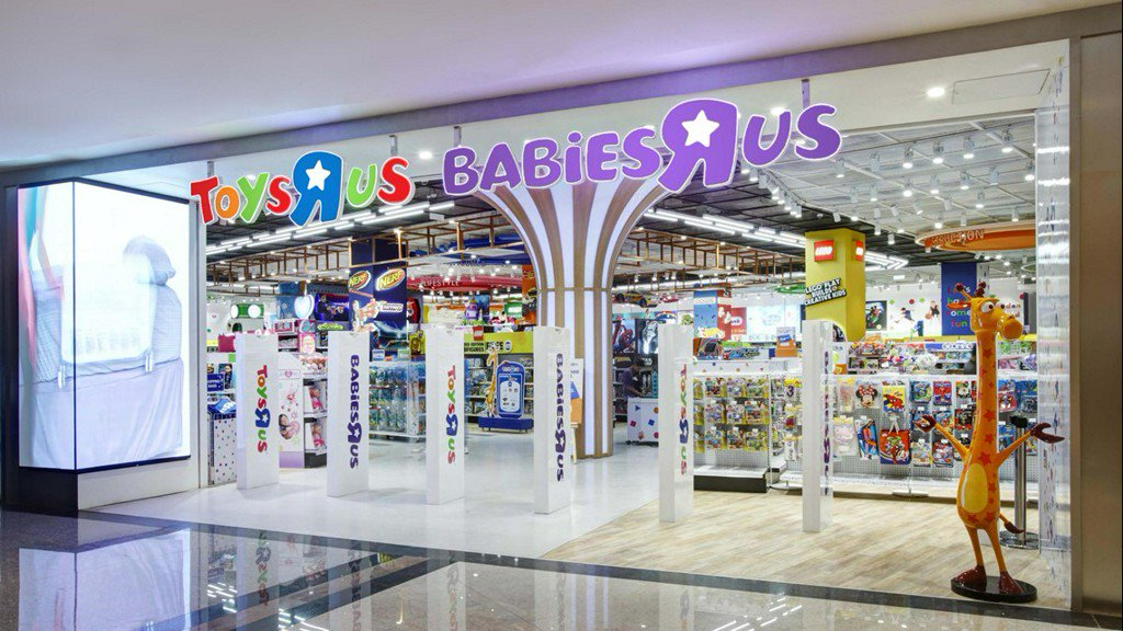 WFAA's photo on Toys R Us