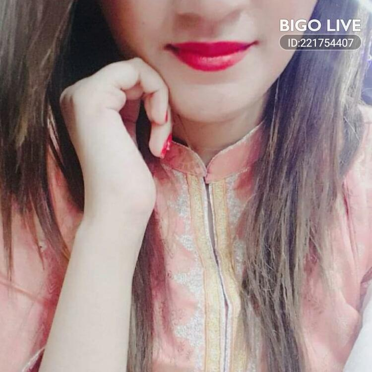 OMG! You have to see this. #BIGOLIVE.   https://t.co/9SX0T6U9pd https://t.co/SCZ4APvKdF