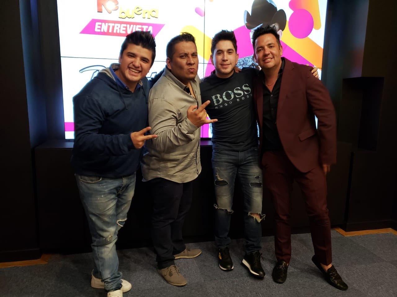 El Bebeto: Con los compas @cocodrilo @pollo @Luisitoelgallo en la @kebuenaoficial Gracias por la e...