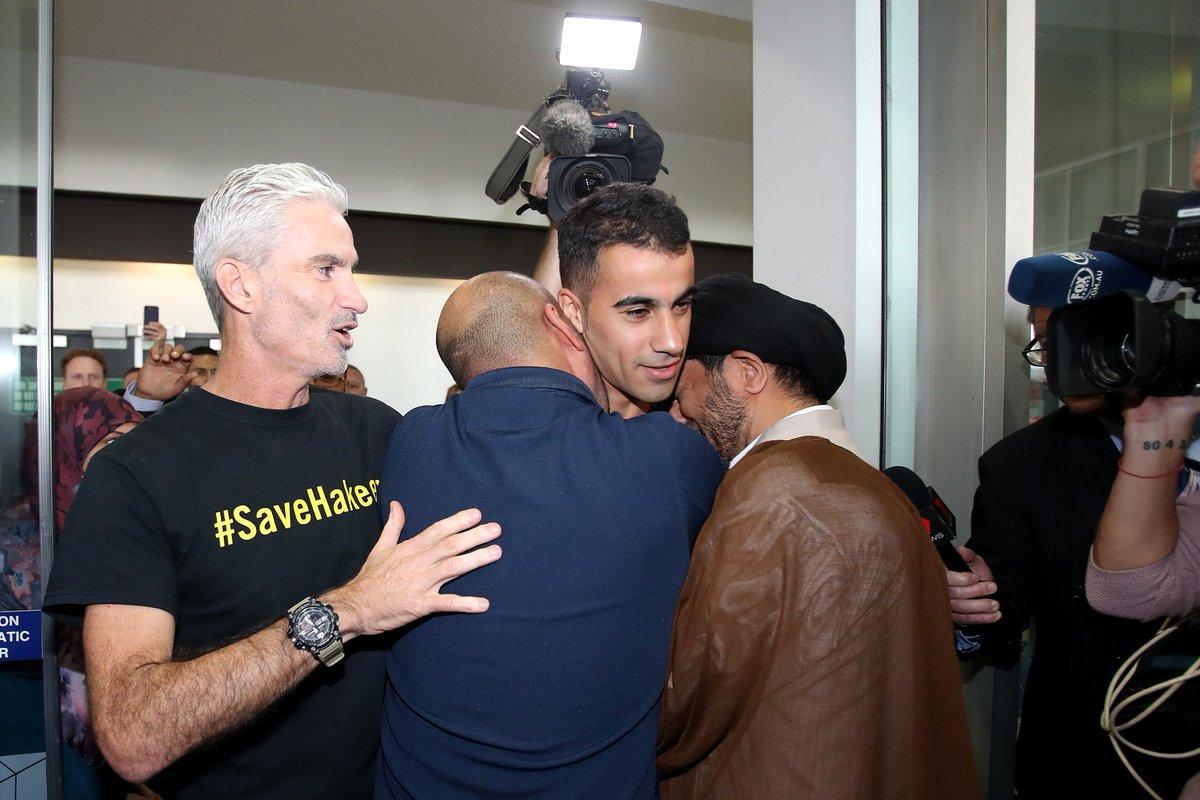 The moment all of Australia has been waiting for.  Hakeem al-Araibi is home! #SaveHakeem
