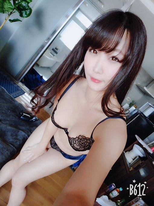 グラビアアイドル夕莉つかさのTwitter自撮りエロ画像71