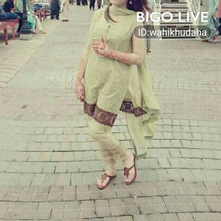 OMG! You have to see this. #BIGOLIVE.   https://t.co/qZnUBFGJ8m https://t.co/Q5ZvZSxull