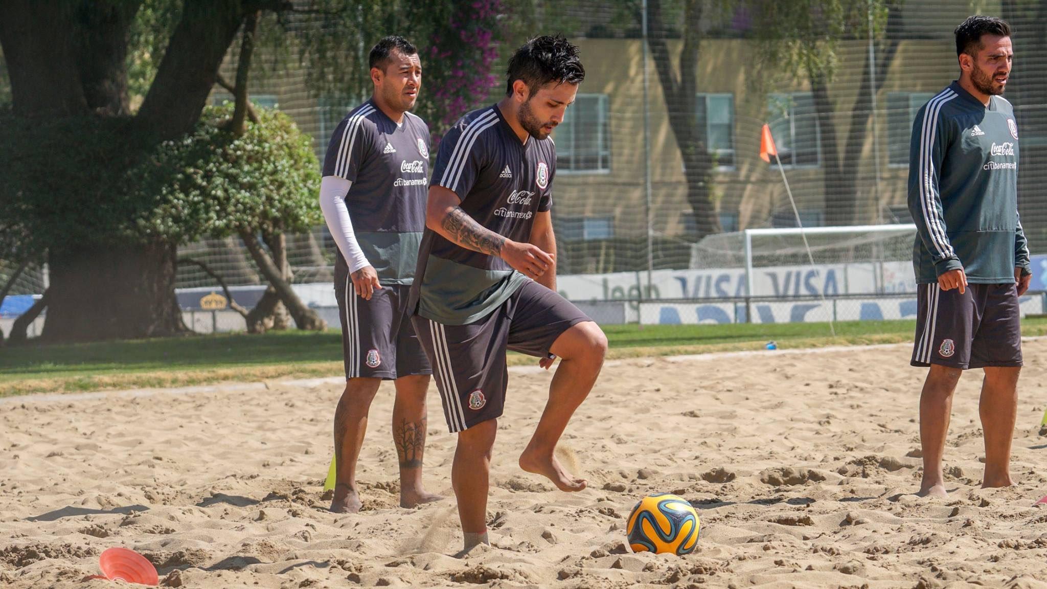 Mexico National Football Team: #Notituit | @CocaColaMx | #FutbolPlaya   Lunes lleno de fútbol en la arena. 🏖 😎 ...