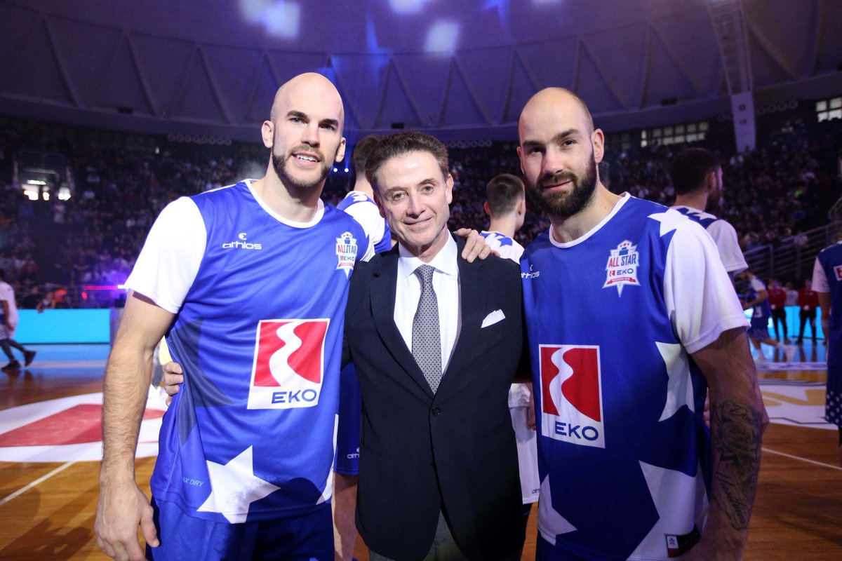 Tomorrow night, two of the best guards in Greece, @Nick_Calathes15 and Vassilis Spanoulis, compete in the semifinals of the Greek Cup. Both guys are great players and even better people. Can't wait for the game.<br>http://pic.twitter.com/ZzzDGeaplw