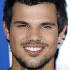 Happy Birthday Taylor Lautner !!!
