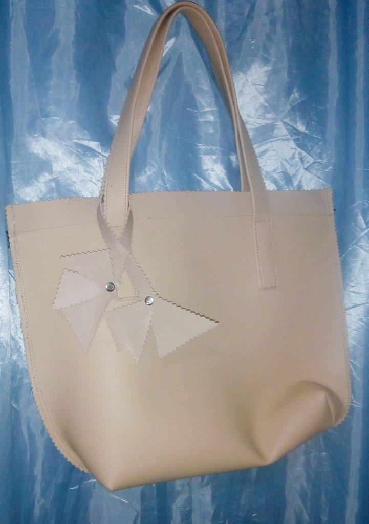 133afc79599c  femalebags hashtag on Twitter