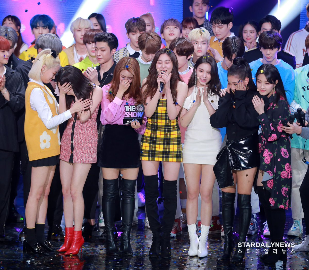 IN MY AREA♡'s photo on #clc1stwin