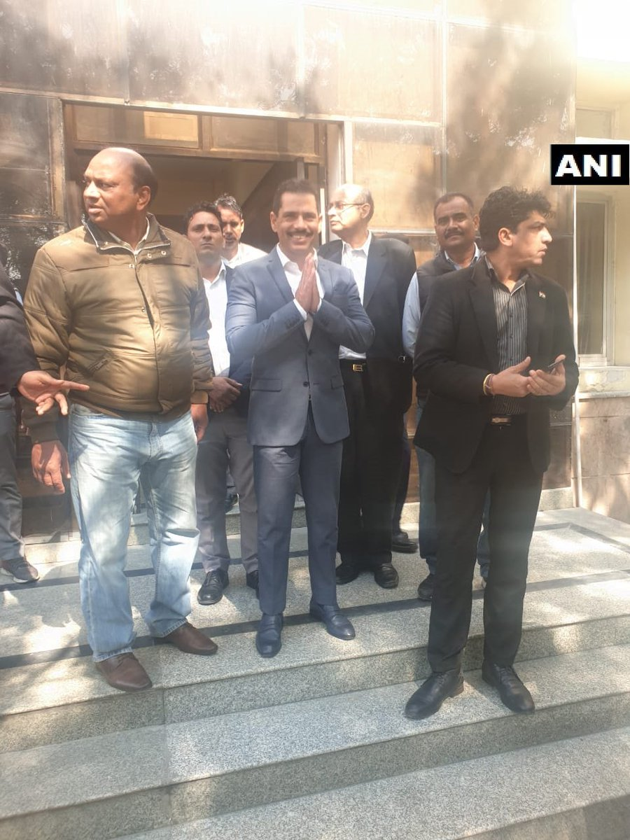 Rajasthan: Inside visuals of Robert Vadra from Enforcement Directorate (ED) office in Jaipur where he and his mother Maureen are being questioned in connection with Bikaner land case probe.