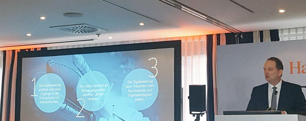 Peter Albiez von @pfizer nennt 3 Gründe, warum beim Thema Digitalisierung mehr Tempo gefragt ist. Uns fallen da sogar noch ein paar mehr ein #HBPharma #digitalisierung #digitalhealth #pharma