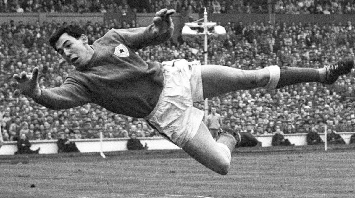 🇬🇧 I am one of the many who built their dreams on your perfect save!Once more, with all my heart: thank you, dear #GordonBanks  🙏