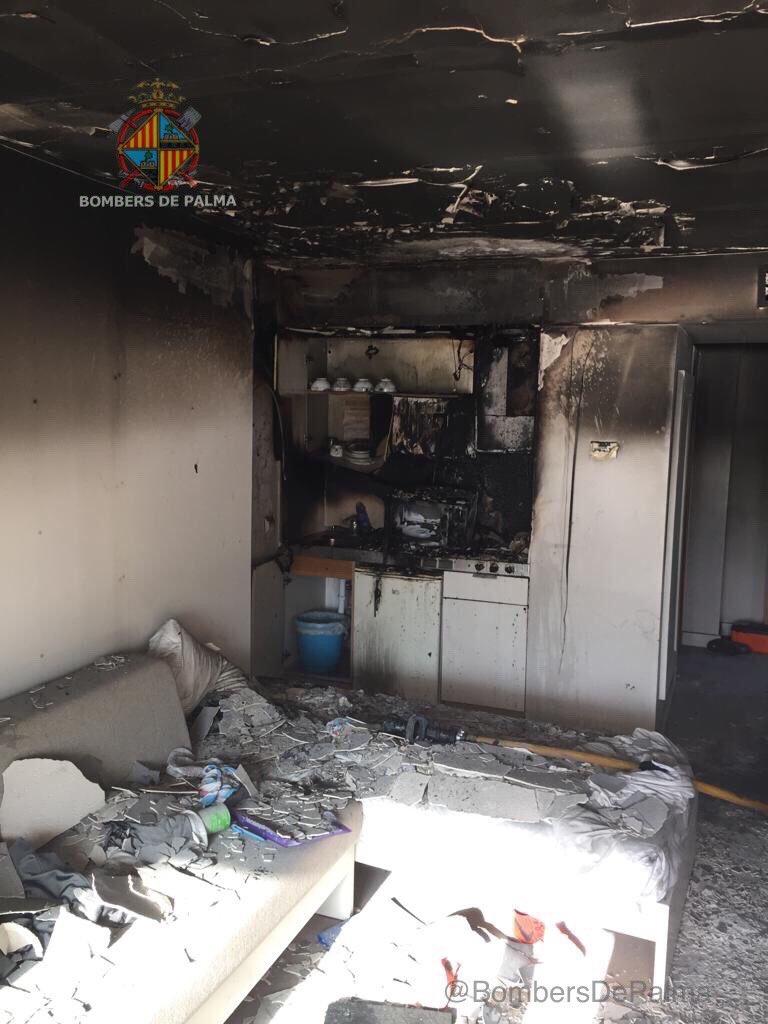 Incendio en el Aparthotel Pil.larí Playa