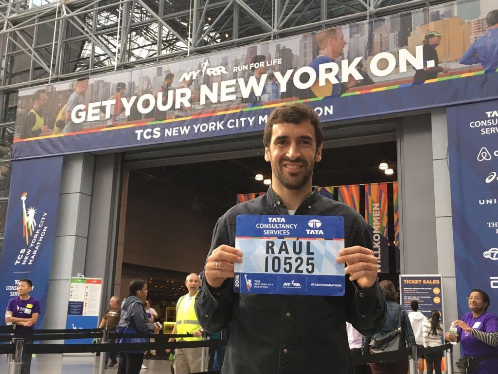 Apply to run the 2019 TCS NYC Marathon! I loved running through NYC powered and inspired by all the support along the streets!🏃🏻‍♂️ https://t.co/2McmyJdR5W https://t.co/qbMaiZ1SkU