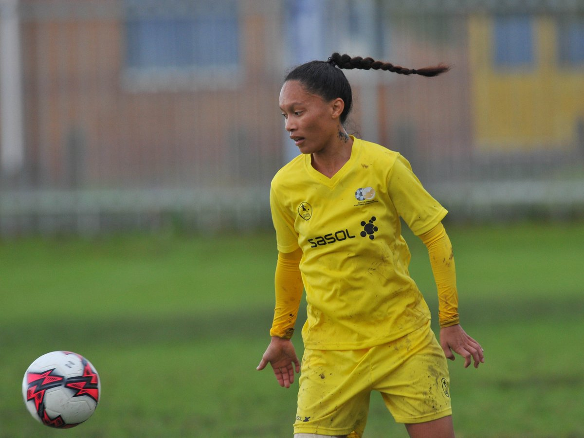 Did you know?    @LeAnDrA_sMeDa is the first South African to score in the UEFA Women's Champions League.  Leadra , who previously played for UWC Ladies #SasolLeague team continues to rise up the ranks, recently signing with the Swedish football club, Vittsjő GIK. #Limitless<br>http://pic.twitter.com/s45HKapq4R