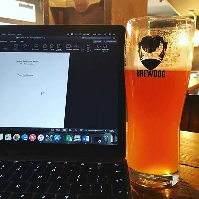 Brewdog bar just down the road from the Barbican...be rude not to visit! And another stamp for my intergalactic beer passport...pint of Hammerton N7 guest IPA...for research... #brewdog #intergalacticbeervisa #hammertonn7 #london #brewdogclerkenwell #ipa… http://bit.ly/2TKPIoj
