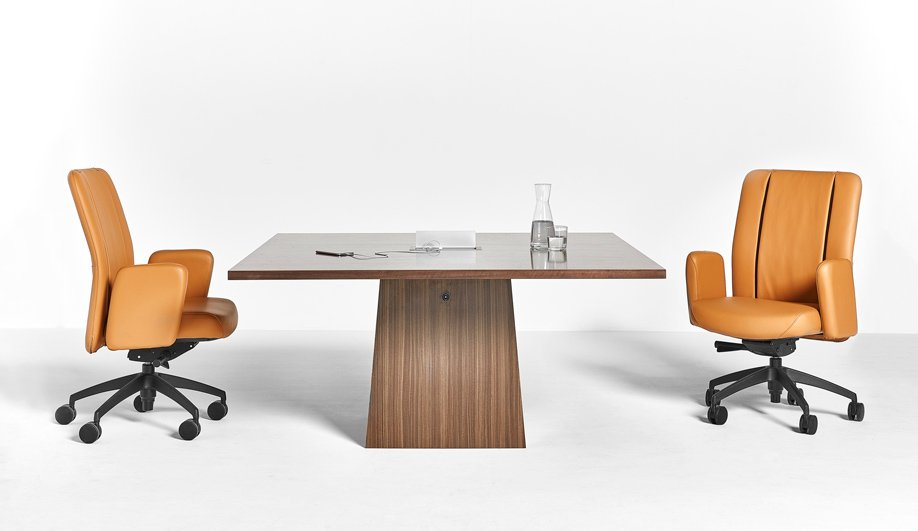 Designed for portability and ease of assembly, the Vox Mega FlipTop Table by @nienkamper is built for the flexible workplace. https://azm.ag/2GqX9gB