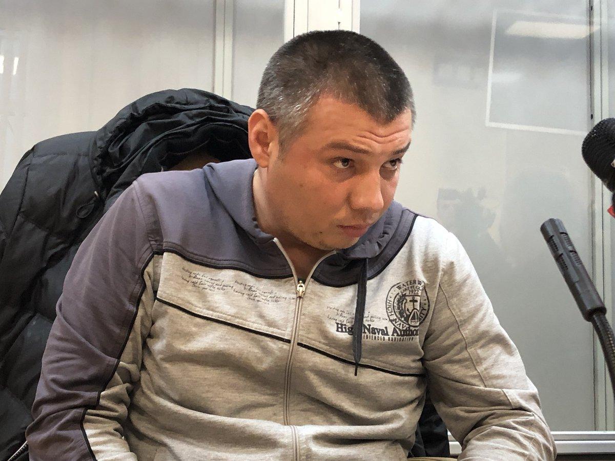 """Суд отстранил от должности полицейского Мельникова, который избивал лежачего активиста под крики """"Ложись, Бандера!"""" - Цензор.НЕТ 8421"""