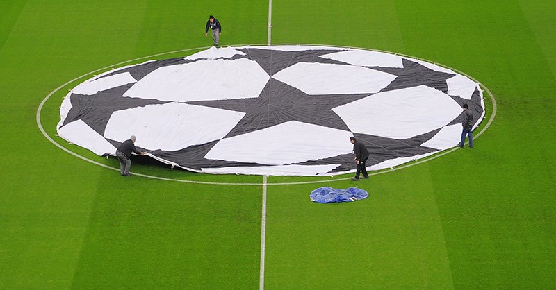Champions League Halftime!  🇮🇹Roma 0 - 0 Porto🇵🇹   🇬🇧Man Utd 0 - 0 PSG🇫🇷  🤔Who will score the first goal?  #MUFCPSG | #ASRoma | #FCPorto | #MUNPSG