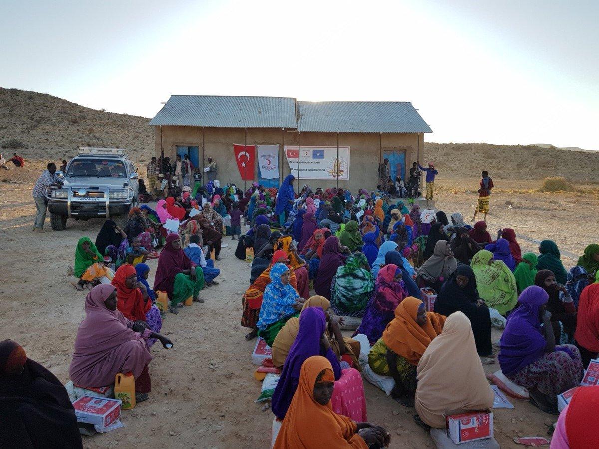 Türk Kızılayı geçtiğimiz hafta Somali'nin Sool bölgesinde insani yardım faaliyeti gerçekleştirdi. #GirişimciveİnsaniDışPolitika #EnterprisingandHumanitarianForeignPolicy