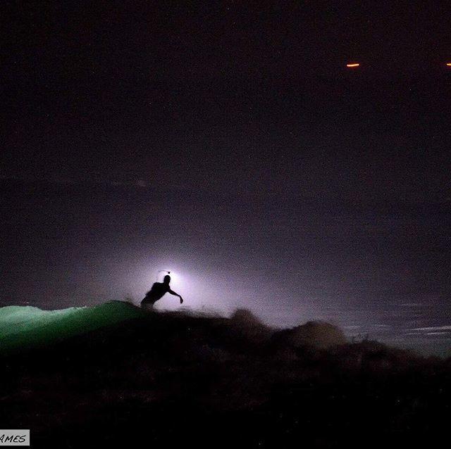 Objet Surfant Non-Identifié (OSNI) 😂 @lostintheswell @ronan_gladu @aurel_jacob @wavegames_officiel http://bit.ly/2GpEZMI
