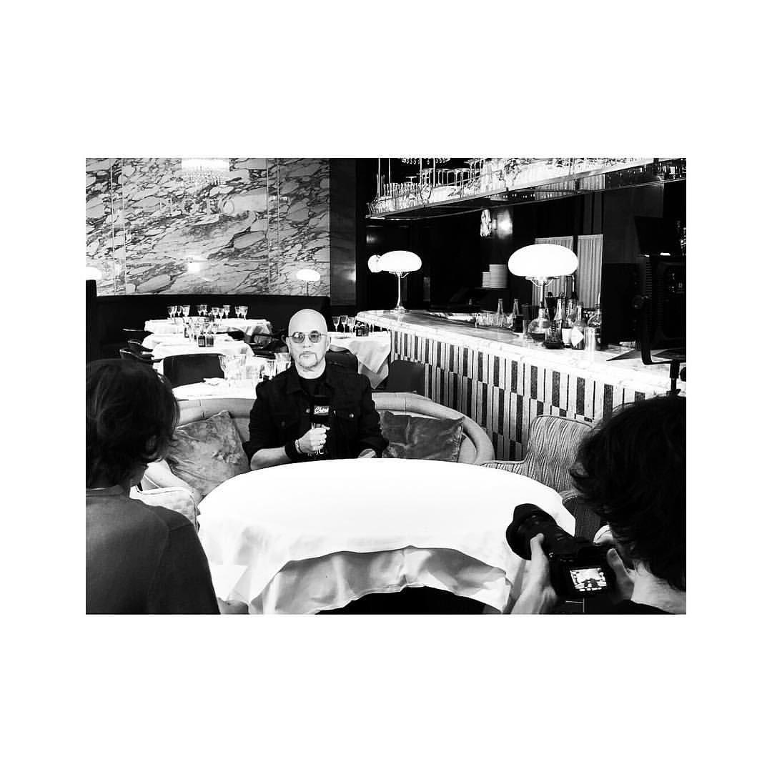 RT @Obispo_Fans: #Repost Instagram @MaevaHari  • • • • • Promo before The show  @ObispoPascal Ce soir en concert à la @sallepleyel htt…
