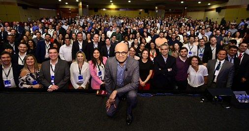 Na #Microsoft, estamos focados em trazer o melhor das pessoas, apoiando seus objetivos e permitindo que encontrem um significado profundo em seu trabalho. Esta é a equipe do Brasil que está criando produtos e serviços que ajudem todas as pessoas a alcançarem mais. #MicrosoftLifeLife