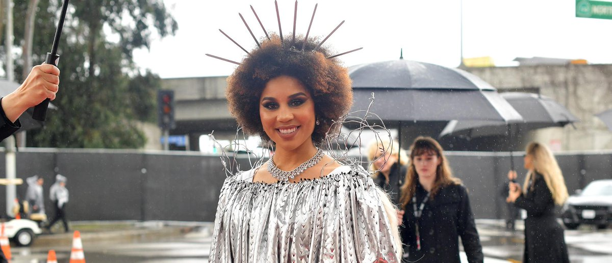 Joy Villa Three-Peats, Walks Red Carpet In 'Build The Wall' Dress At Grammys https://t.co/VrJ7piEqKY