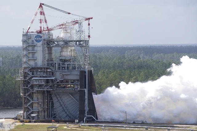 It's time for another Facebook Live event of an RS-25 Engine Test! The test is tentatively scheduled for tomorrow, Feb. 13 between 2:30-3:30 p.m. (CDT) at NASA's John C. Stennis Space Center! STAY TUNED! #SLSFiredUp #NASASSC #NASAStennis