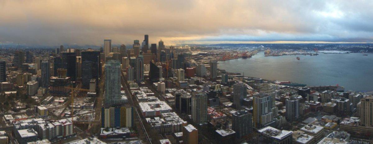 Nice to see a little sun peeking through the clouds here in Seattle! #wawx #sonorthwest #KOMONews