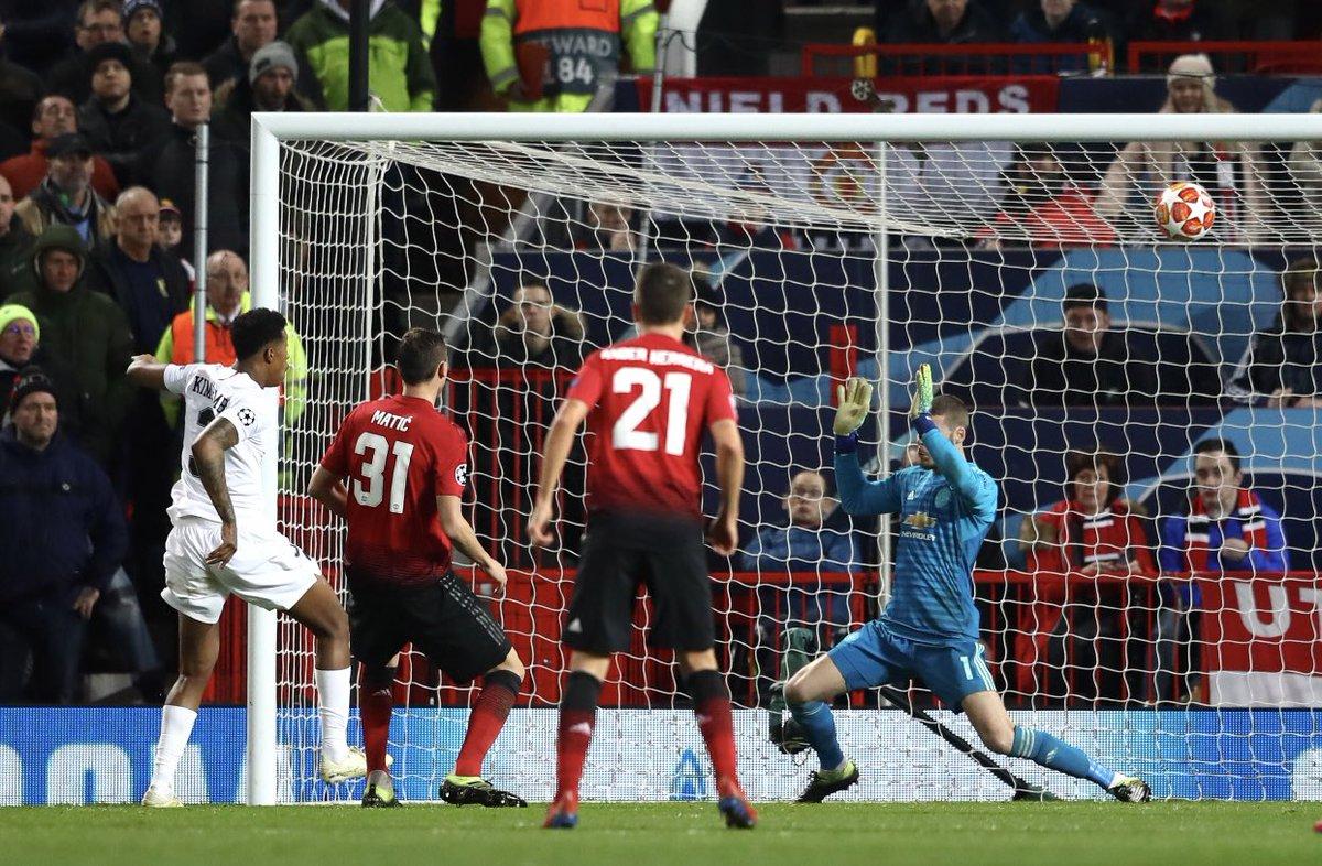 هدف باريس سان جيرمان الأول في مرمى مانشستر يونايتد