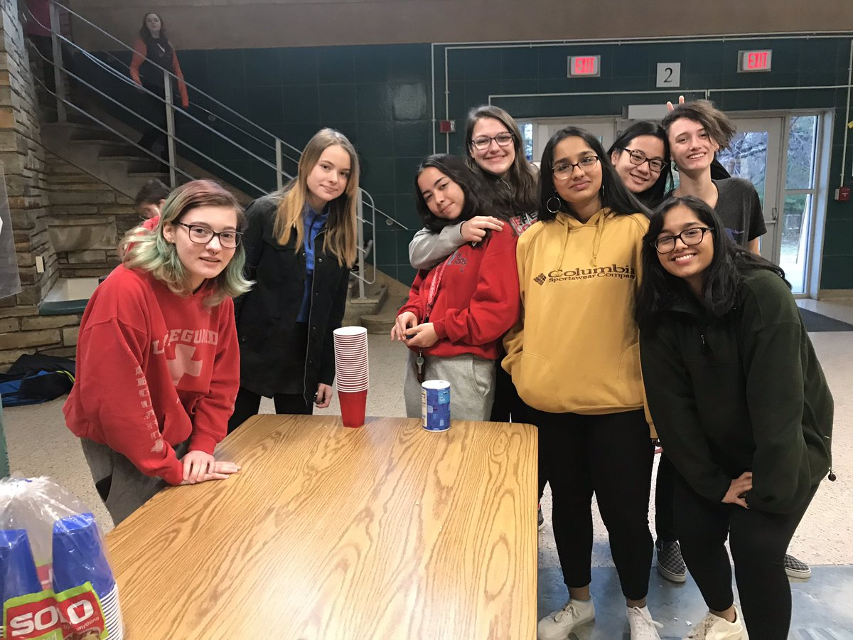 The team that made today's art showcase happen <a target='_blank' href='http://search.twitter.com/search?q=lovemystudents'><a target='_blank' href='https://twitter.com/hashtag/lovemystudents?src=hash'>#lovemystudents</a></a> <a target='_blank' href='http://search.twitter.com/search?q=loveHB'><a target='_blank' href='https://twitter.com/hashtag/loveHB?src=hash'>#loveHB</a></a> <a target='_blank' href='http://twitter.com/HBWArt'>@HBWArt</a>  <a target='_blank' href='http://twitter.com/HBWProgram'>@HBWProgram</a>  <a target='_blank' href='http://twitter.com/APSArts'>@APSArts</a> <a target='_blank' href='https://t.co/ehn4KyNeLk'>https://t.co/ehn4KyNeLk</a>