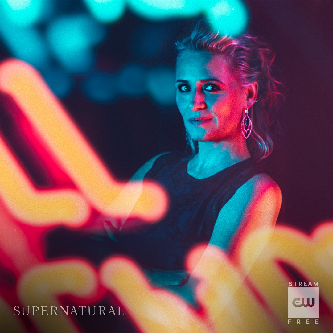 Fearless Mother Winchester. Stream the 300th episode of #Supernatural for FREE: https://t.co/ZCIZSAIXTe #SPN300