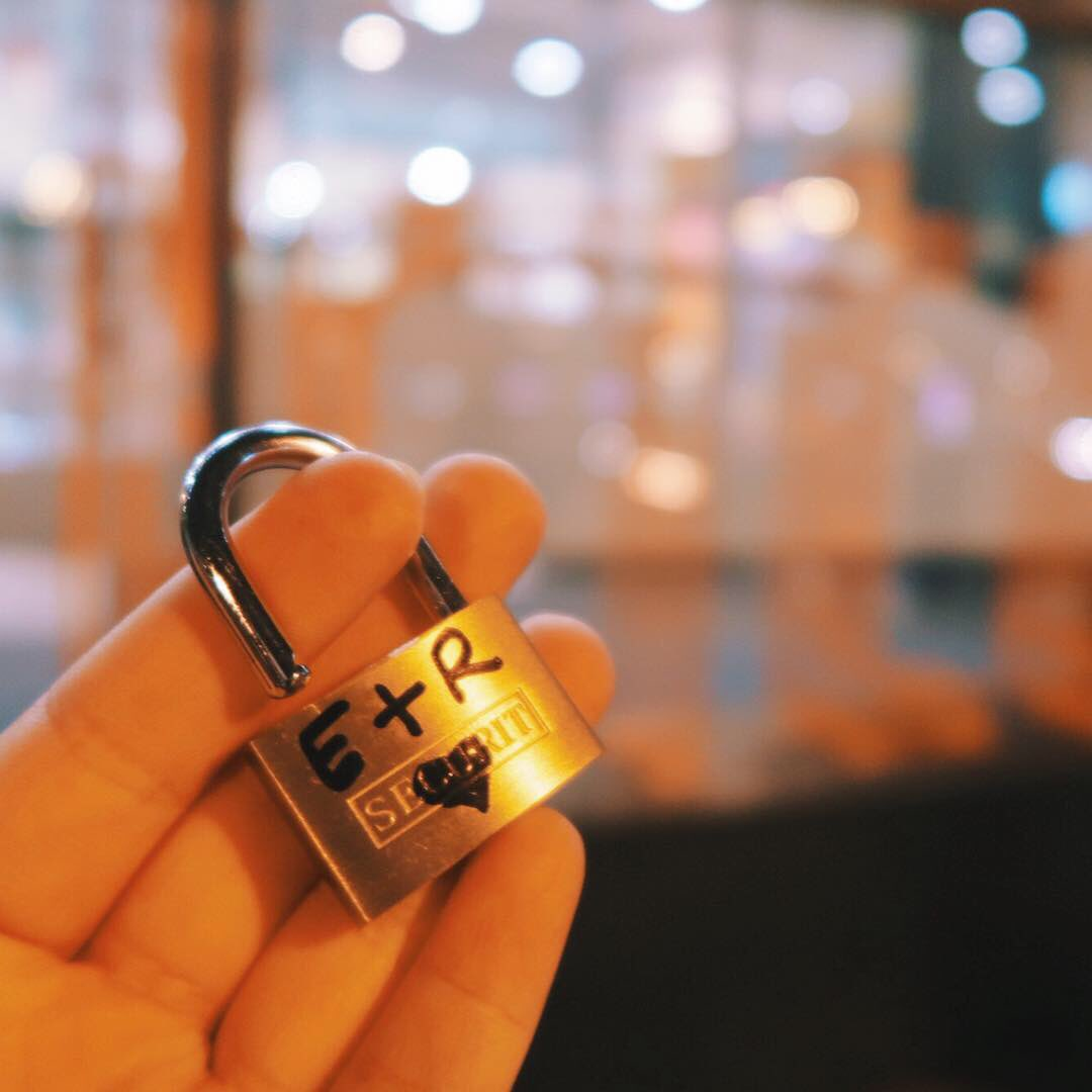 Popped to @intuMetrocentre and added our Love Lock to the intu Love Lock Wall. Our #intuPerfectDate always includes a good meal, followed by @Shakeaholic and a trip to @ODEONCinemas 🥰  This Valentine's Day we're throwing bowling into the mix at @NamcoFunscapeUK 🎳🥤🎬
