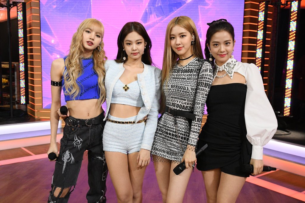 Antis are launching projects to write negative comments on BLACKPINK's Colbert Show and GMA videos.  BLINKS! Please like and leave positive comments!  #BLACKPINKonLSSC:  http:// youtu.be/uBUJCaj6wyI  &nbsp;   #GMAWithBLACKPINK:  https:// youtu.be/PIMB64pJS3o  &nbsp;  <br>http://pic.twitter.com/DRYD1mErxM