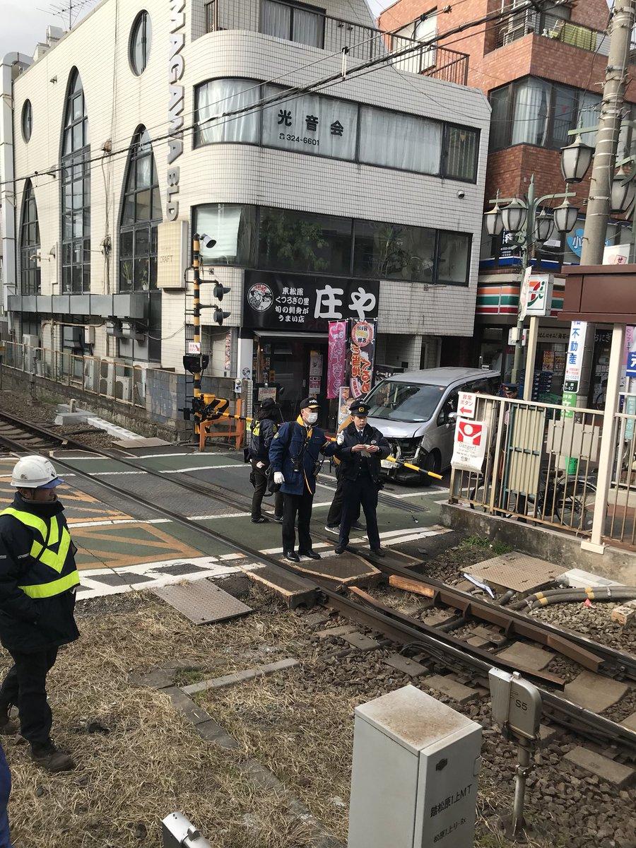 井の頭線の東松原駅~明大前駅間で踏切事故の現場画像