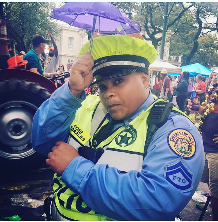 When you have to improvise on the #MardiGras Parade Route #MakeItWork & #ParadeOn with us #NOPDpic.twitter.com/SChYnng1di