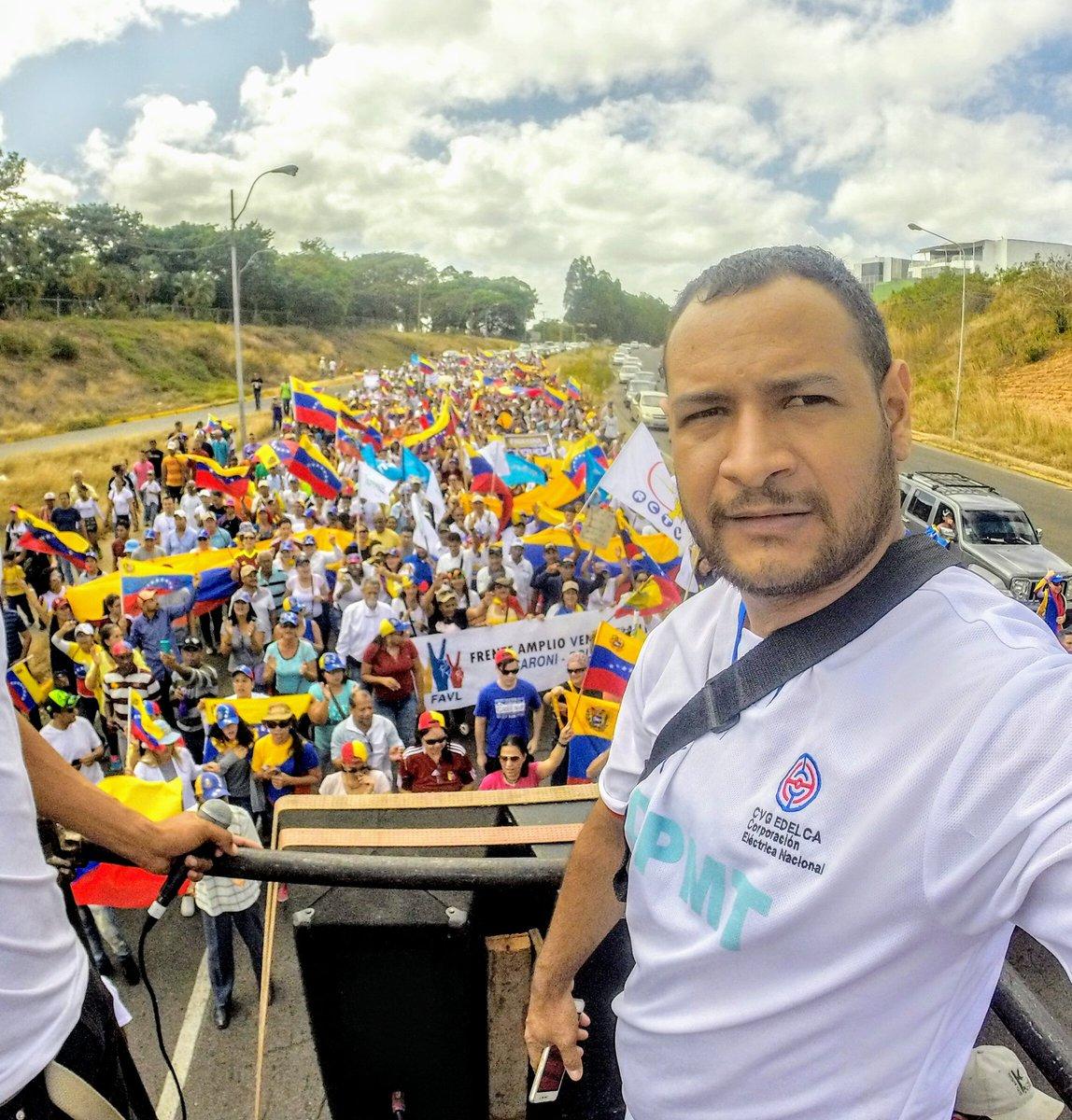 Hoy #12Feb Sociedad civil, gremios, partidos, iglesias acompañamos y reconocemos la valerosa lucha de nuestros jóvenes y estudiantes por la Democracia y Libertad de #Venezuela #12Feb #Guayana