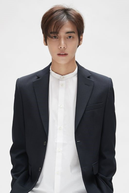 "Jung Jae Won (#ONE) will join the cast of tvN drama ""Her Private Life"" along with Park Min Young, Kim Jae Wook, and Kim Bo Ra  Now... when will he release more music YG?"