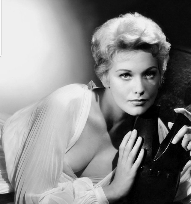 Happy birthday Kim Novak (february 13, 1933) by Robert Coburn