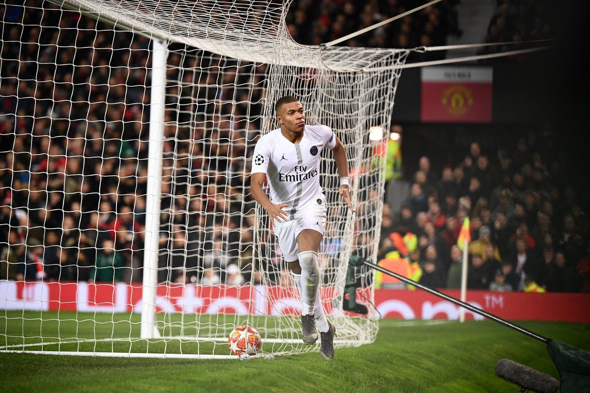 """Whatever plans @ManUtd had to stop this 'Usain Bolt' of PSG did not work.   The young man kept slipping off the grasp of our centre backs like he also wore an """"Okro soup"""" jersey.   #MUFC #MUNPSG #UCL #ValentinesDay #wednesdaythoughts #RedHandDay #TwitterMischief #Nigeria"""