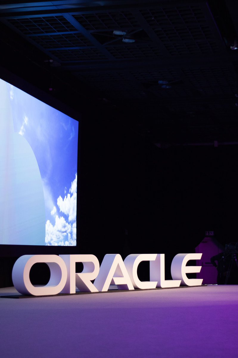 Couldn't be in Dubai for #OOWDXB? Join us next month in Singapore for Oracle OpenWorld Asia, 26-27 March. The event promises compelling content and one-of-a-kind networking opportunities. Registration is complimentary.  http:// bit.ly/2SPuAgh  &nbsp;   #OOWSIN <br>http://pic.twitter.com/jvsAEHdvUU