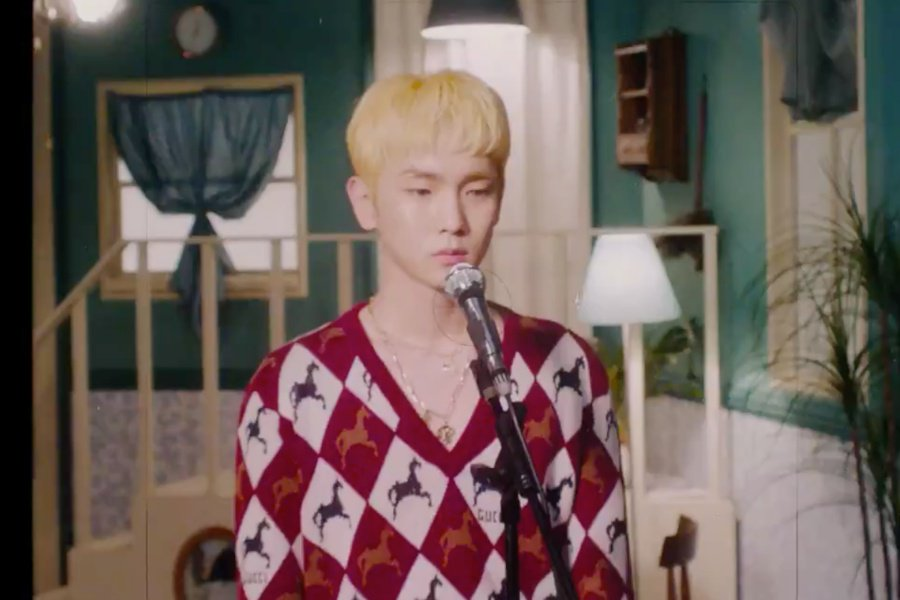WATCH: #SHINee&#39;s #Key Finds Love In New Video Teaser Of SM STATION Track &quot;Cold&quot;  https://www. soompi.com/article/130207 8wpp/watch-shinees-key-introduces-upcoming-sm-station-track-cold-in-1st-teaser &nbsp; …  <br>http://pic.twitter.com/DmW72SLmR2