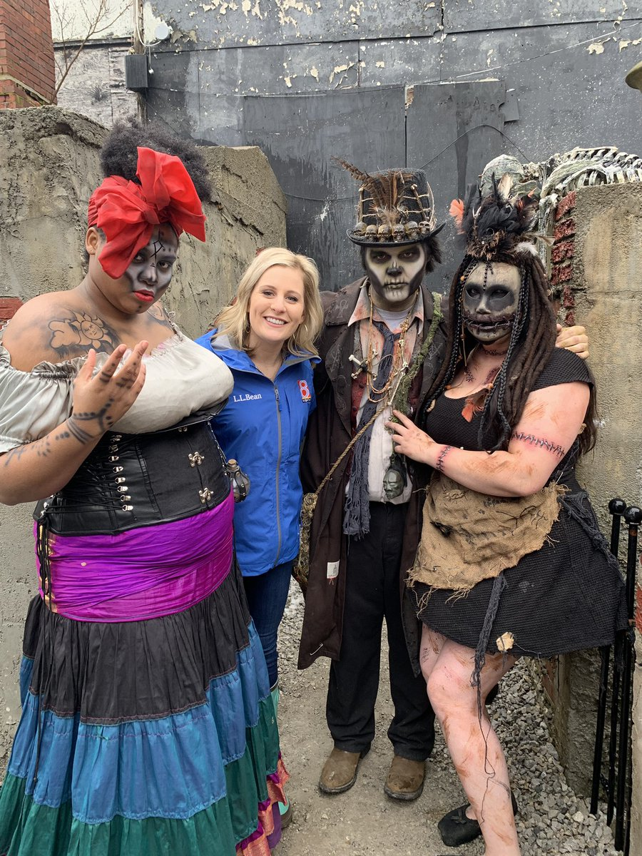 On #daybreak8: I visit @fearfair. They have a haunted Valentine's Day house. How cool is that?! If you and your significant other are looking to celebrate this Saturday, head to Seymour! It's open from 8-midnight. @WISH_TV<br>http://pic.twitter.com/KuknTc5eBN