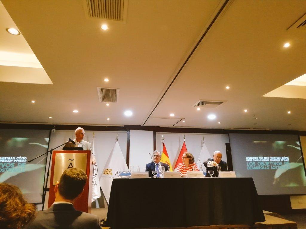 """El Presidente del @CEPLAN2050 Javier Abugattás participó en el """"Foro:Agenda 2030 y los ODS: Avances y desafíos para superar retos comunes en Iberoamerica, una mirada desde Perú"""" """"ElPerúPrimero"""