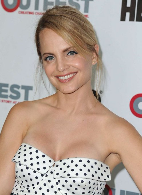 Happy 39th birthday, Mena Suvari.  Where\s she been?