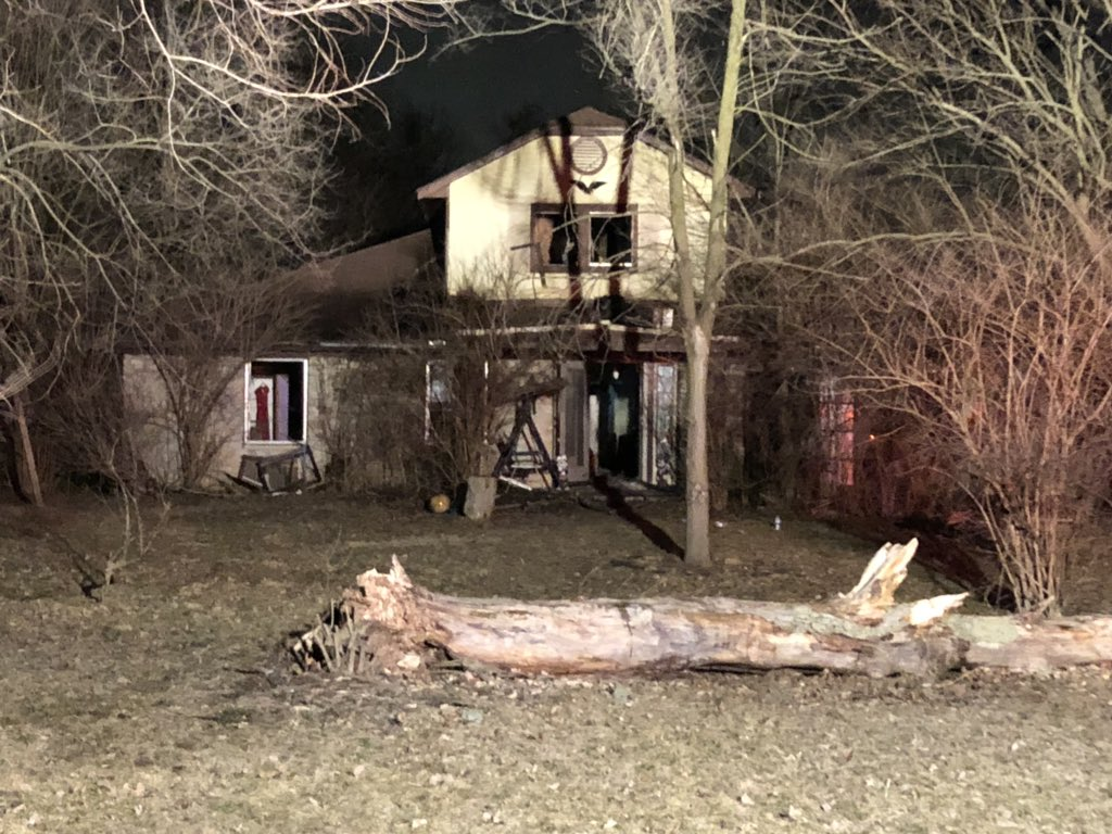 TRAGIC UPDATE: IFD tells me that they found an adult male that had passed away in the garage of this Newhart St home. Fire crews had finished their work &amp; begun investigating what caused the earlier fire when they found the man behind some debris. #NewsTracker #Daybreak8 <br>http://pic.twitter.com/EaY3SbtAqS