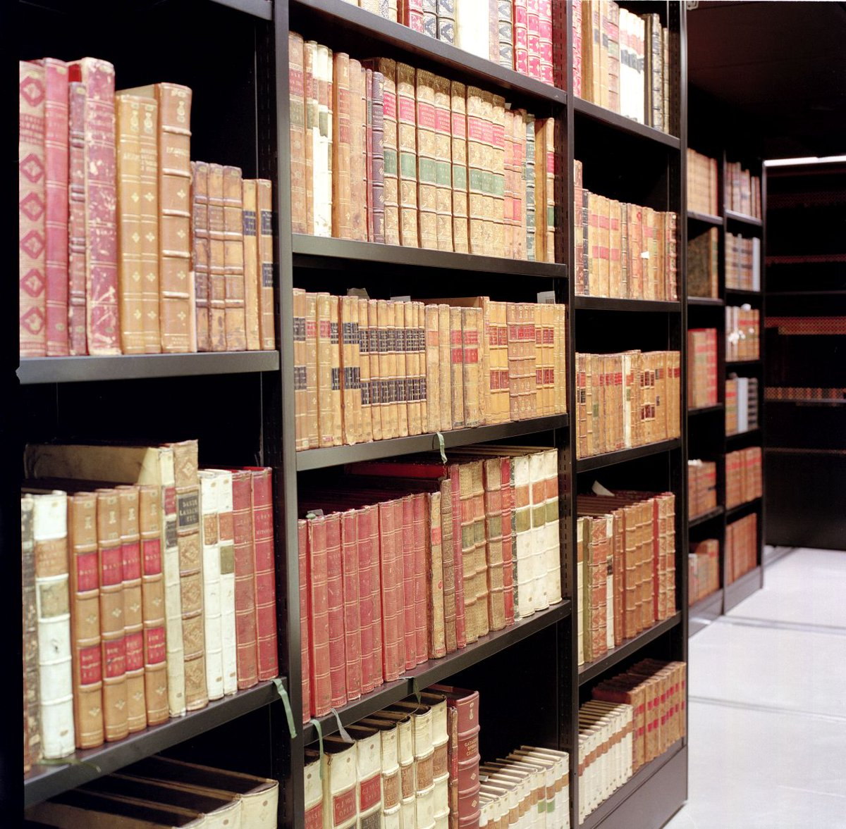 Our 'Directory of Western printed heritage collections' @britishlibrary provides information about books & printed items inc.: thematic and subject composition; distinguishing features; provenance; specialist catalogues; shelfmarks; bibliographical refs https://www.bl.uk/britishlibrary/~/media/subjects%20images/printed%20books/directory%20to%20western%20printed%20heritage%20collections.pdf…